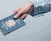 Como se vestir para tirar Passaporte